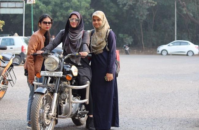 hijab biker girl roshni misbah, theinterview.in