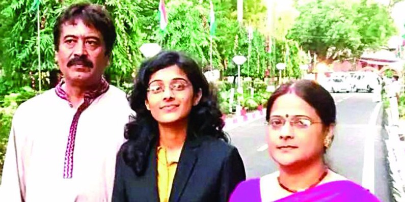 civil services topper surbhi gautam, theinterview.in